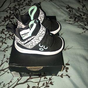 Jordan Shoes - Air Jordan First Class BT